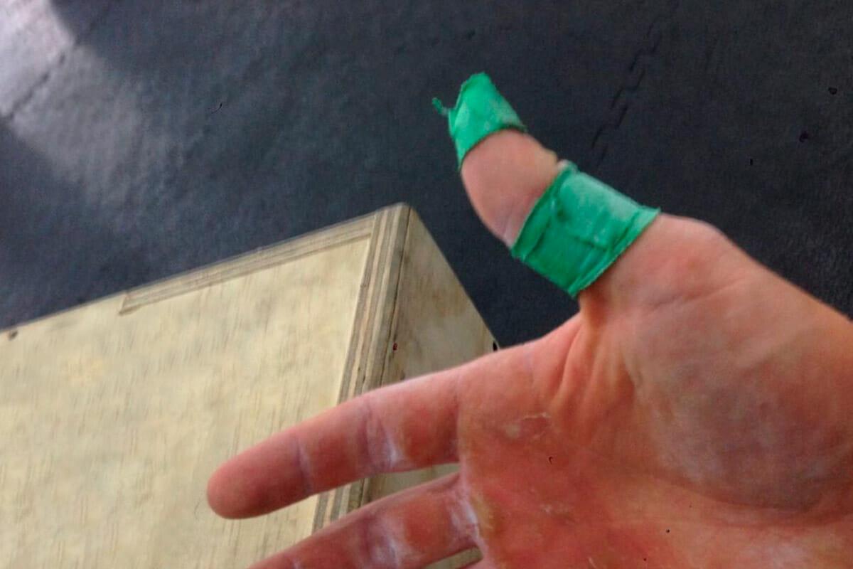 Daumen tapen für CrossFit und Gewichtheben