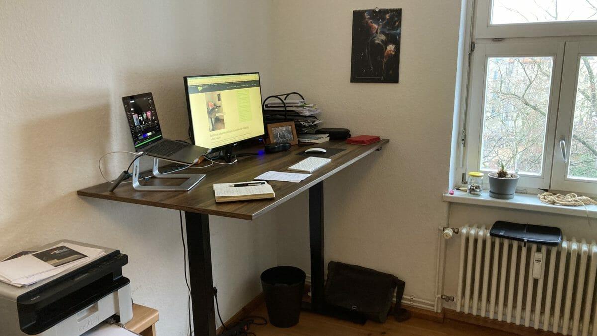 Elektrisch höhenverstellbarer Schreibtisch - günstig selber bauen